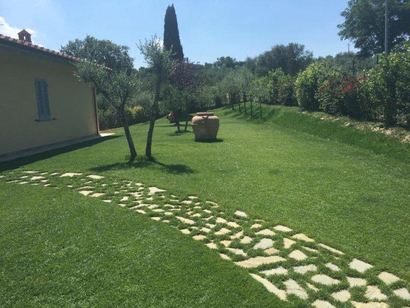 Villa privata arezzo progettazione e manutenzione for Progettazione giardini siena